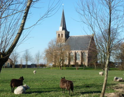 Bezichtigen historisch kerkje 't Woudt