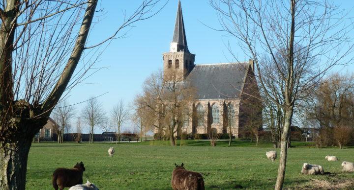 Een kerkdienst bezoeken